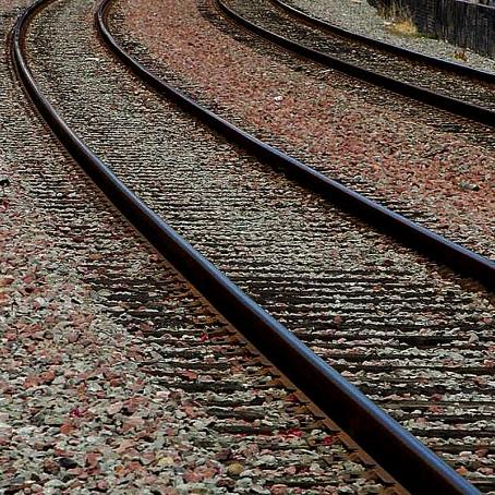 Railroad-tracks_w543_h725